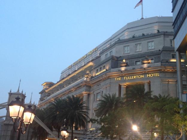 フラトンホテル